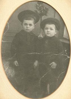 Michal Lemberger's grandfather, Eliezer Schoen (left), as a child in Germany, with his brother Alfred Schoen.