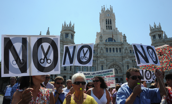 Government employees demonstrate against the Spanish government's latest austerity measures, in the center of Madrid, on July 24, 2012.