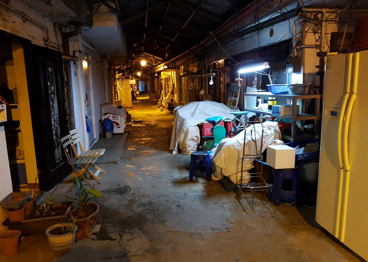 Shiheung Market at night.