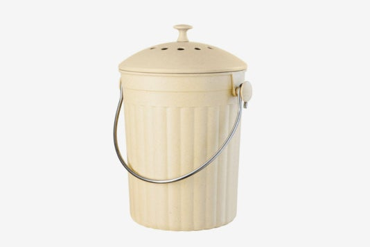 Oggi Countertop Compost Pail With Charcoal Filter.