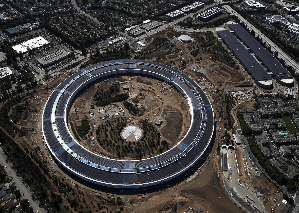 Apples New Headquarters Apple Park Has No Child Care Center