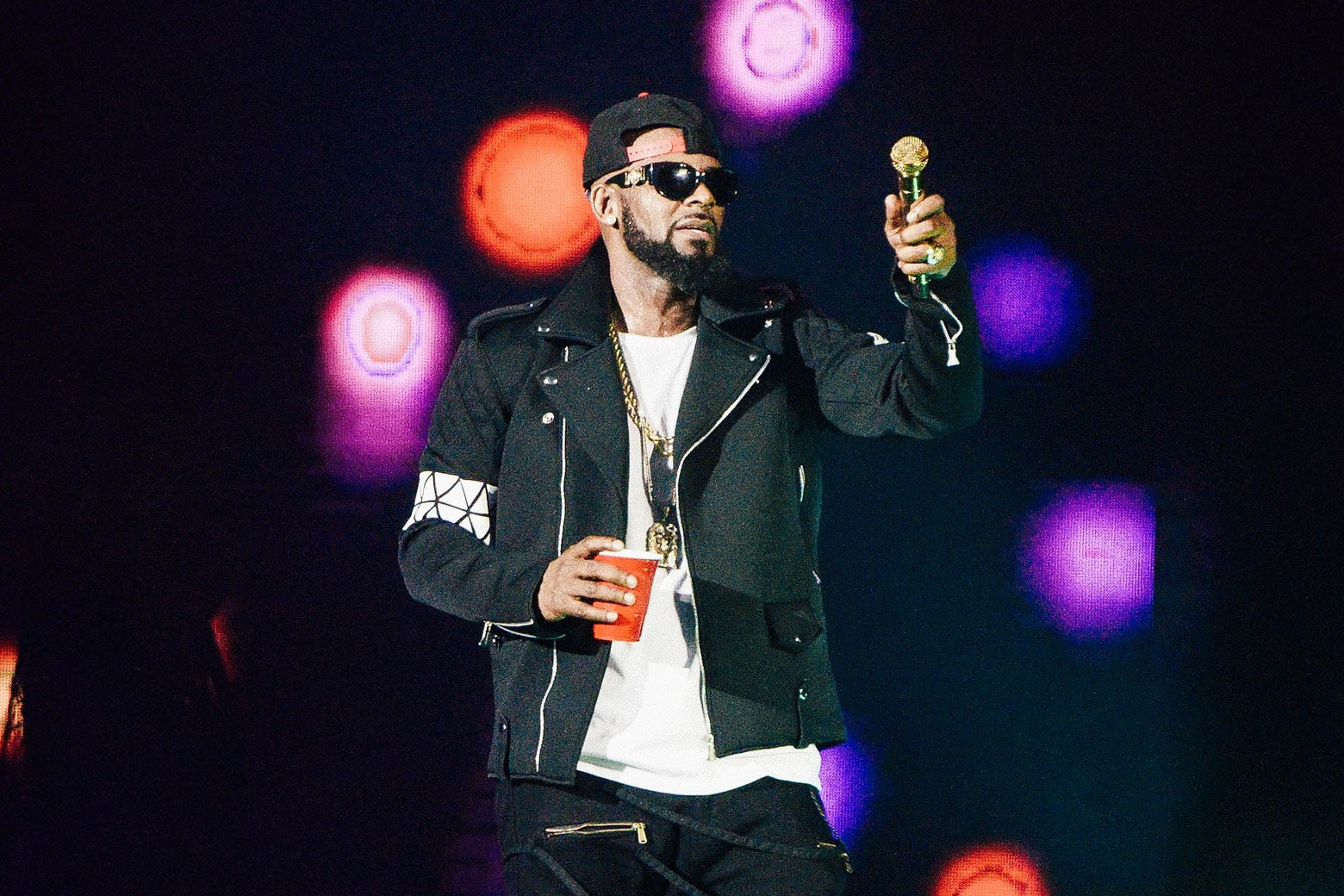 R. Kelly performs during The Buffet Tour at Allstate Arena on May 7, 2016 in Chicago, Illinois. (Photo by Daniel Boczarski/Getty Images)