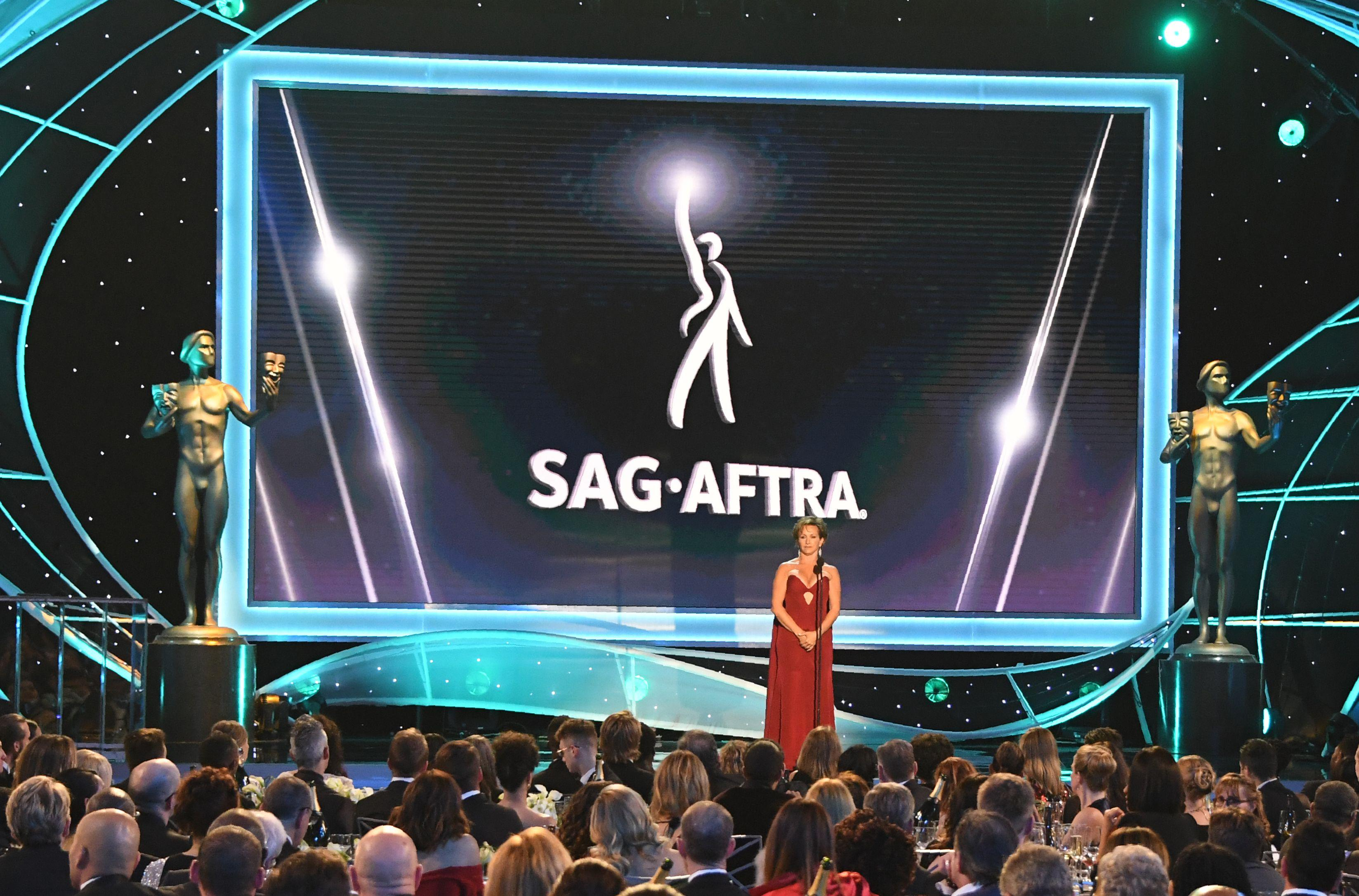SAG-AFTRA President Gabrielle Carteris speaks onstage during the 24th Annual Screen Actors Guild Awards show at The Shrine Auditorium on January 21, 2018 in Los Angeles, California. / AFP PHOTO / Mark RALSTON        (Photo credit should read MARK RALSTON/AFP/Getty Images)