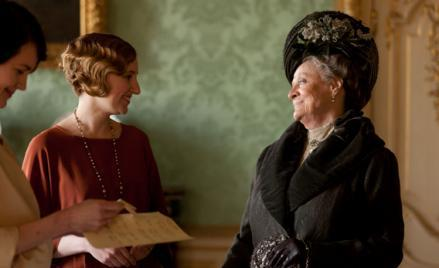 Elizabeth McGovern as Lady Cora, Laura Carmichael as Lady Edith, Dame Maggie Smith as Lady Violet.