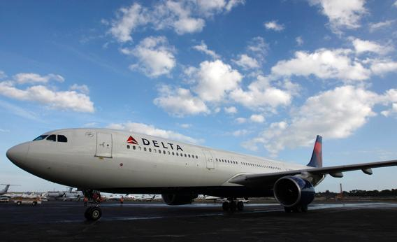 A Delta Airlines Charter arrives at the Ft. Lauderdale-Hollywood International Airport on Florida January 2, 2013.