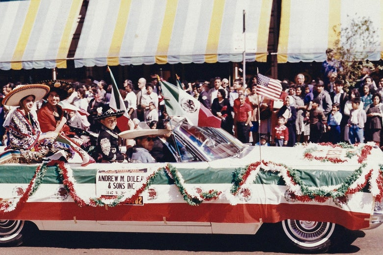 1964 Mexican Independence Day parade on 26th Street in Dallas.