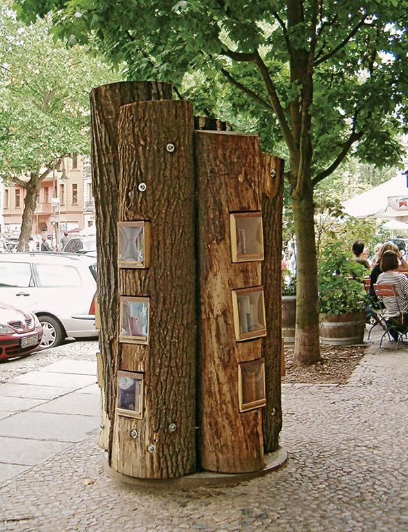 The Bucherwald miniature library is by design firm BauFachFrau.