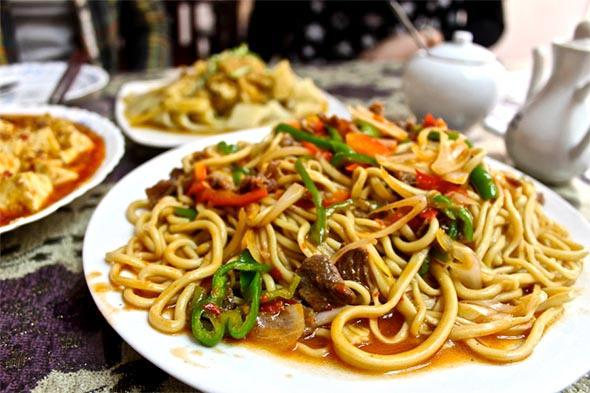 Lovely laiman noodles (with vegetable and beef) at El Fardus Restaurant in Abbasiya.