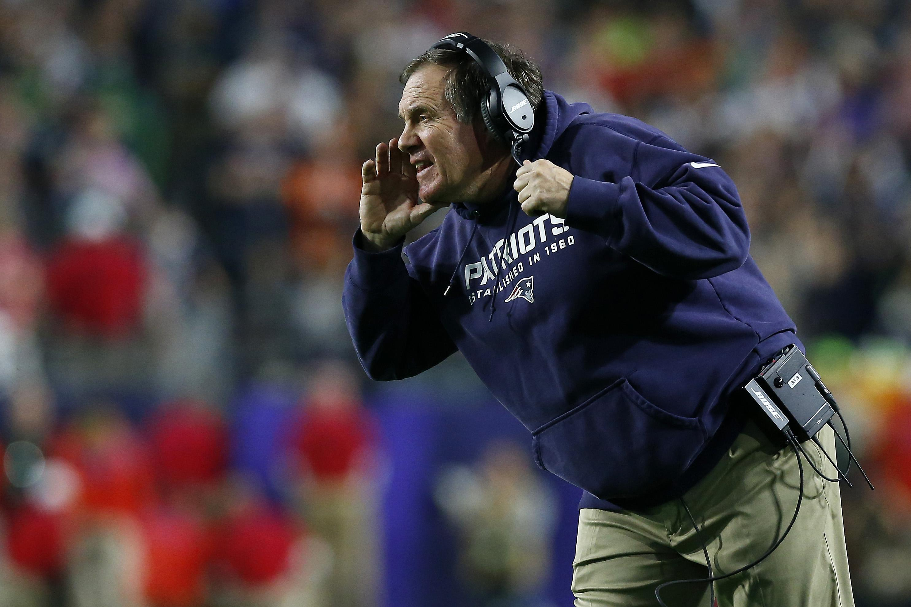 GLENDALE, AZ - FEBRUARY 01:  Head coach Bill Belichick of the New England Patriots reacts during Super Bowl XLIX against the Seattle Seahawks at University of Phoenix Stadium on February 1, 2015 in Glendale, Arizona.  (Photo by Tom Pennington/Getty Images)