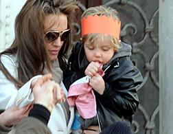 Angelina Jolie and daughter Shiloh. Click image to expand.