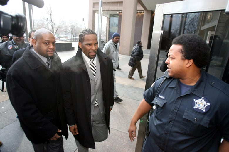 R. Kelly outside a Cook County, Illinois, courthouse in 2008.