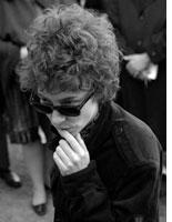 Cate Blanchett as Bob Dylan. Click image to expand.