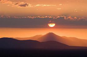Sunset over an Oregon volcano