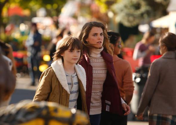 Keidrich Sellati as Henry Jennings, Keri Russell as Elizabeth Jennings.
