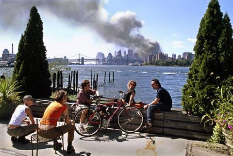 Young New Yorkers on the Brooklyn waterfront on 9/11.