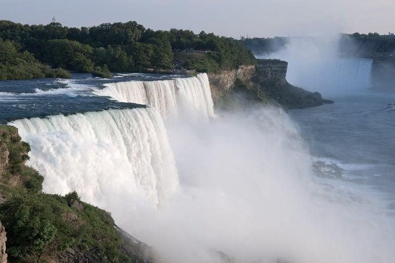 In 1969, Engineers Turned Off the Water of Niagara Falls