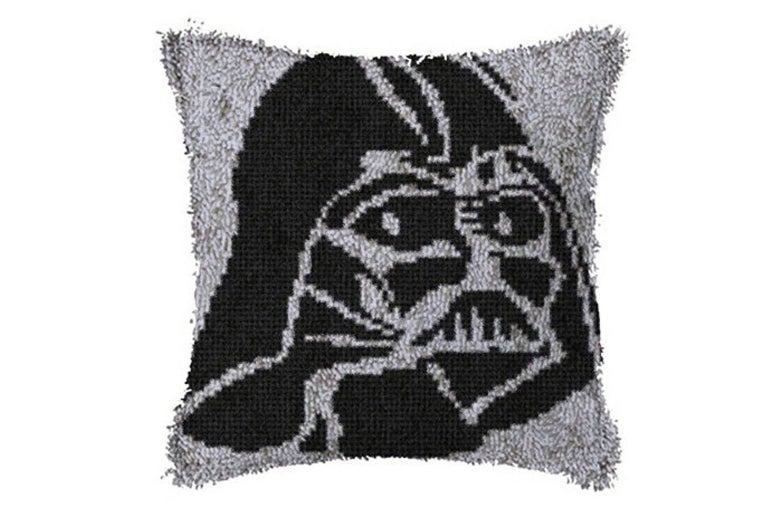 A Darth Vader latch hook design.