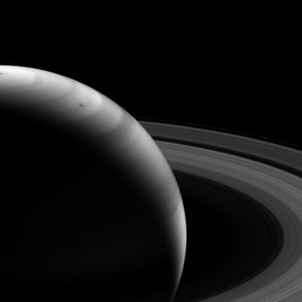 Saturn in the infrared