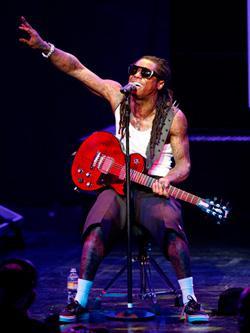 Lil Wayne. Click image to expand.