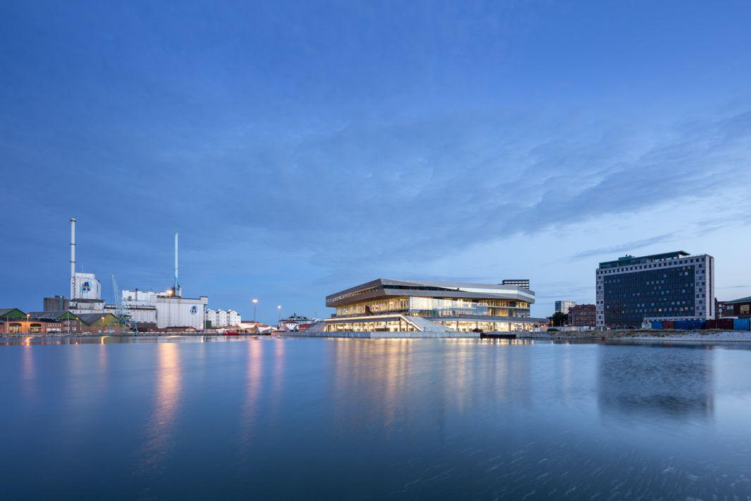 Schmidt Hammer Lassen Architects_Dokk1_harbor