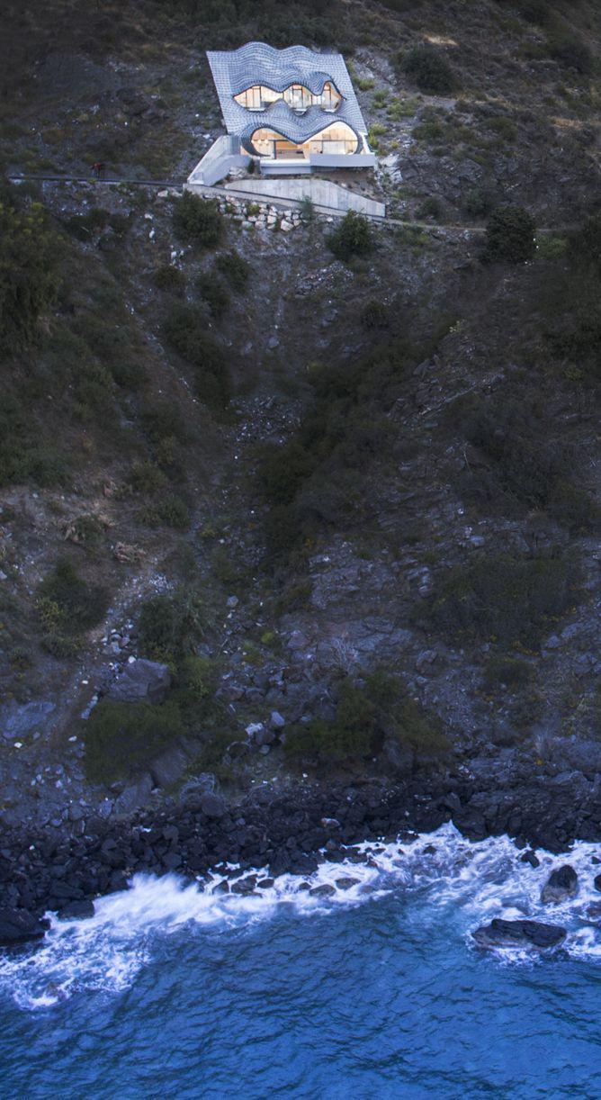 GilBartolome - house on the Cliff 1