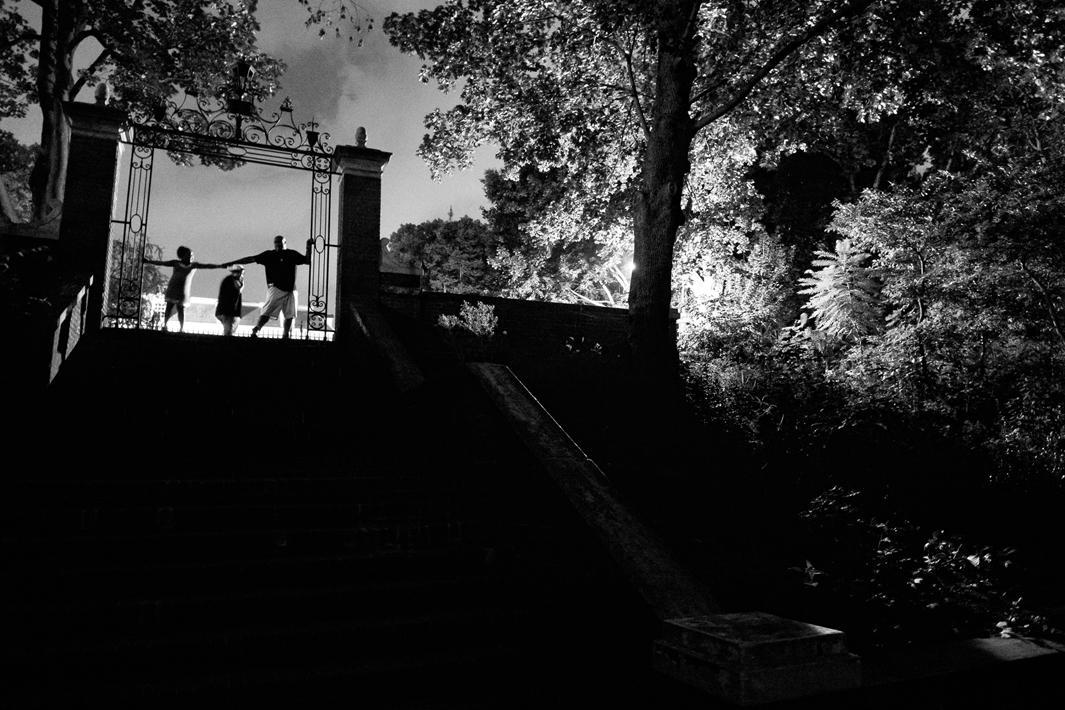 Bronx, New York, 2012. Billy Garcia and his two children at Van Cortlandt Park.