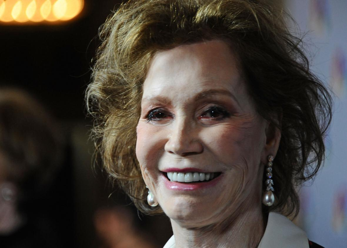 Watch TV Icon Mary Tyler Moore Has Died at 80 Years Old video