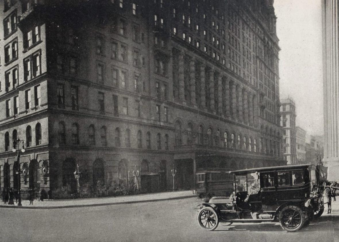 Hotel Waldorf-Astoria in 1911