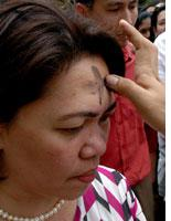 Ash Wednesday in the Philippines. Click on image to expand.