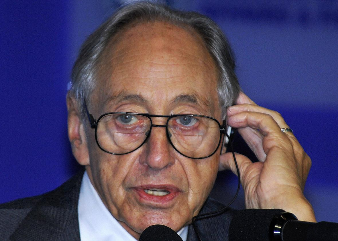 Futurist Alvin Toffler speaks to an international forum on global warming and oceans in Seoul in 2007. Toffler died June 27 at age 87.