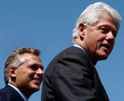 Terry McAuliffe campaigns with former President Bill Clinton. Click image to expand.