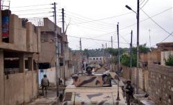 Jundis patrolling a typical Khalidiya street