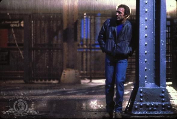 James Caan stars in Michael Mann's Thief.