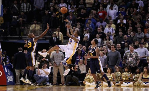 Monta Ellis misses  the shot and the Utah Jazz won by one point.