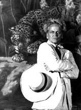 Kinski with lion backdrop