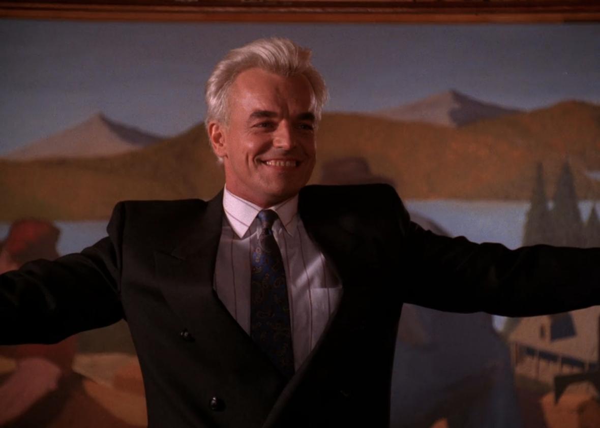 """Leland Palmer sings """"Mairzy Doats"""" in Twin Peaks"""