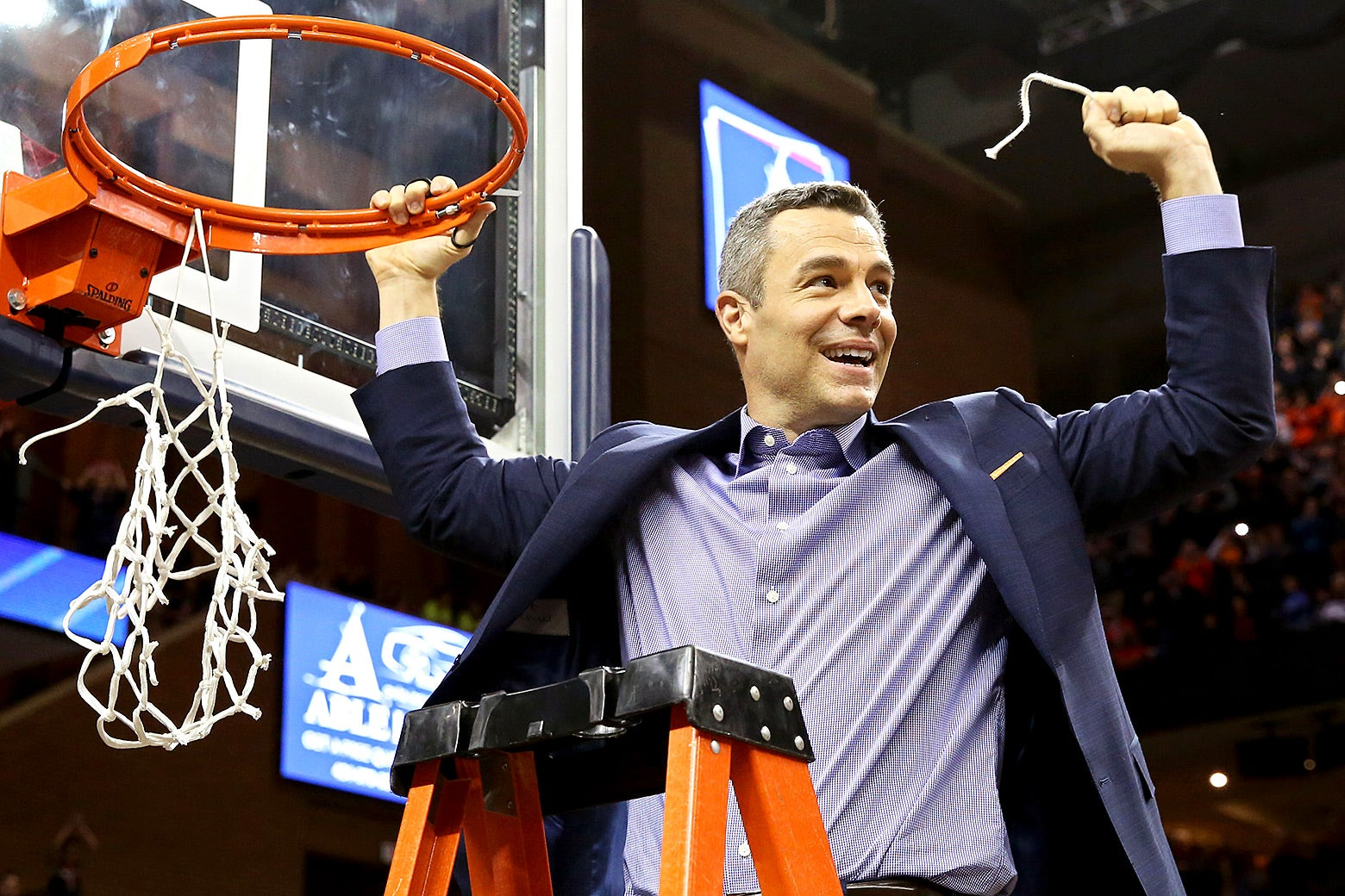 Virginia Cavaliers head coach Tony Bennett
