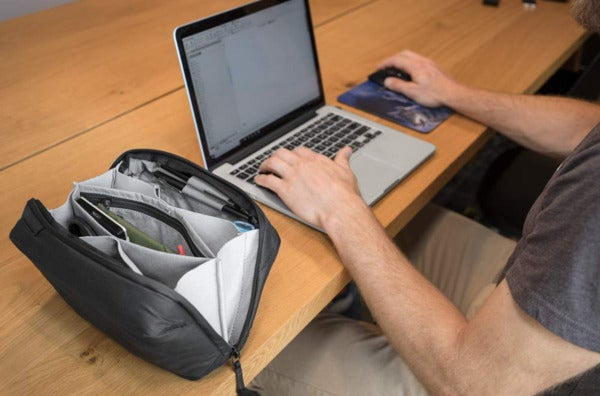 Peak Design Tech Pouch (Black).