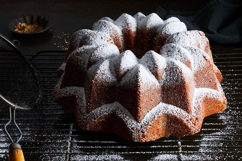 A bundt cake with powdered sugar on top.