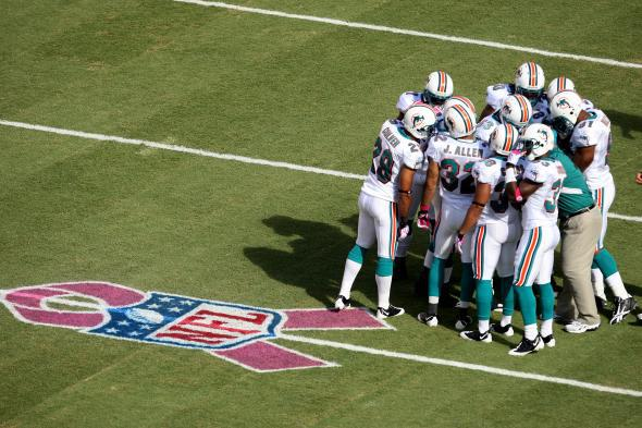 ceefe673 NFL's A Crucial Catch: Football's breast cancer awareness initiative ...