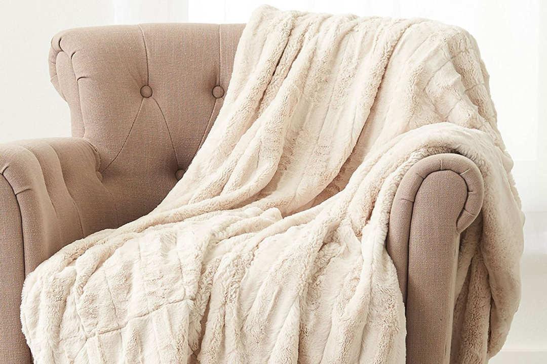 Pinzon Faux Fur Throw Blanket.