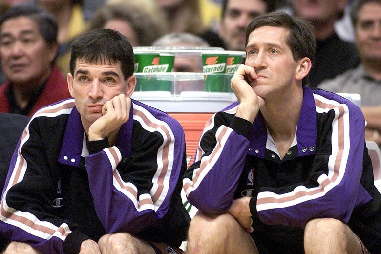 LOS ANGELES, UNITED STATES:  Utah Jazz starting guards John Stockton (L) and Jeff Hornacek watch on the bench as both sat out the second quarter during the game against the Los Angeles Lakers 04 February 2000 in Los Angeles, Ca. (ELECTRONIC IMAGE) AFP PHOTO   Vince BUCCI/vb (Photo credit should read Vince Bucci/AFP/Getty Images)