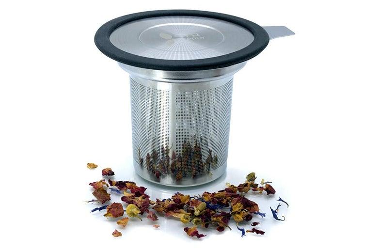 Metal tea infuser