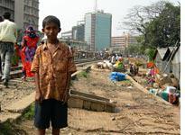 The Karwan Bazar slum. Click image to expand.
