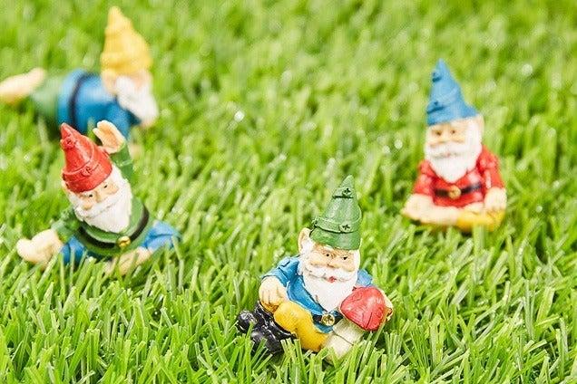 Juvale Miniature Yoga Gnome Set
