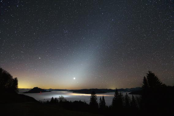 Astrophoto: Venus and the zodiacal light by Rudi Dobesberger.
