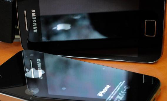 Samsung Galaxy and Apple iPhone