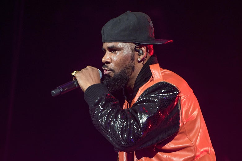 NEW YORK, NY - SEPTEMBER 25:  R. Kelly performs in concert at Barclays Center on September 25, 2015 in the Brooklyn borough of New York City.  (Photo by Mike Pont/Getty Images)