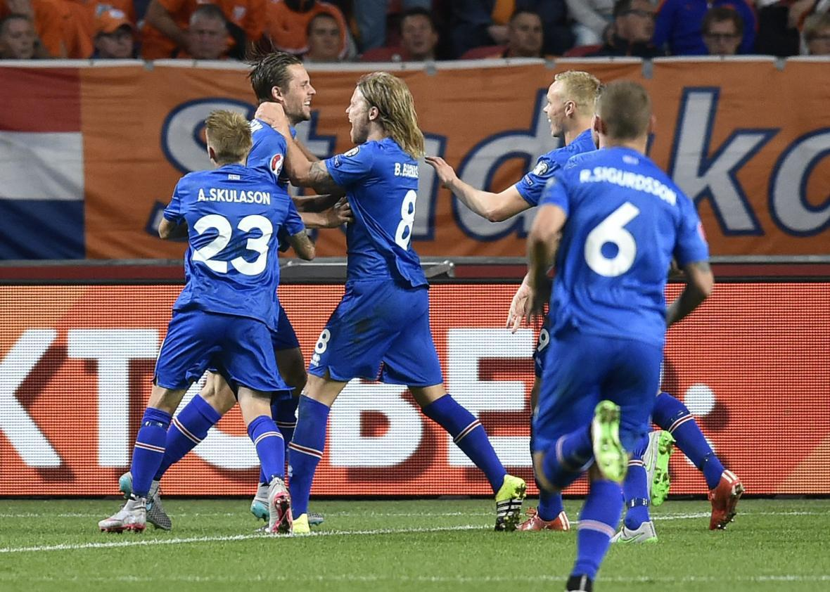 d4cf67d75 Iceland s midfielder Gylfi Thor Sigurdsson celebrates after scoring a  penalty kick during the UEFA Euro 2016 qualifying round football match  between the ...