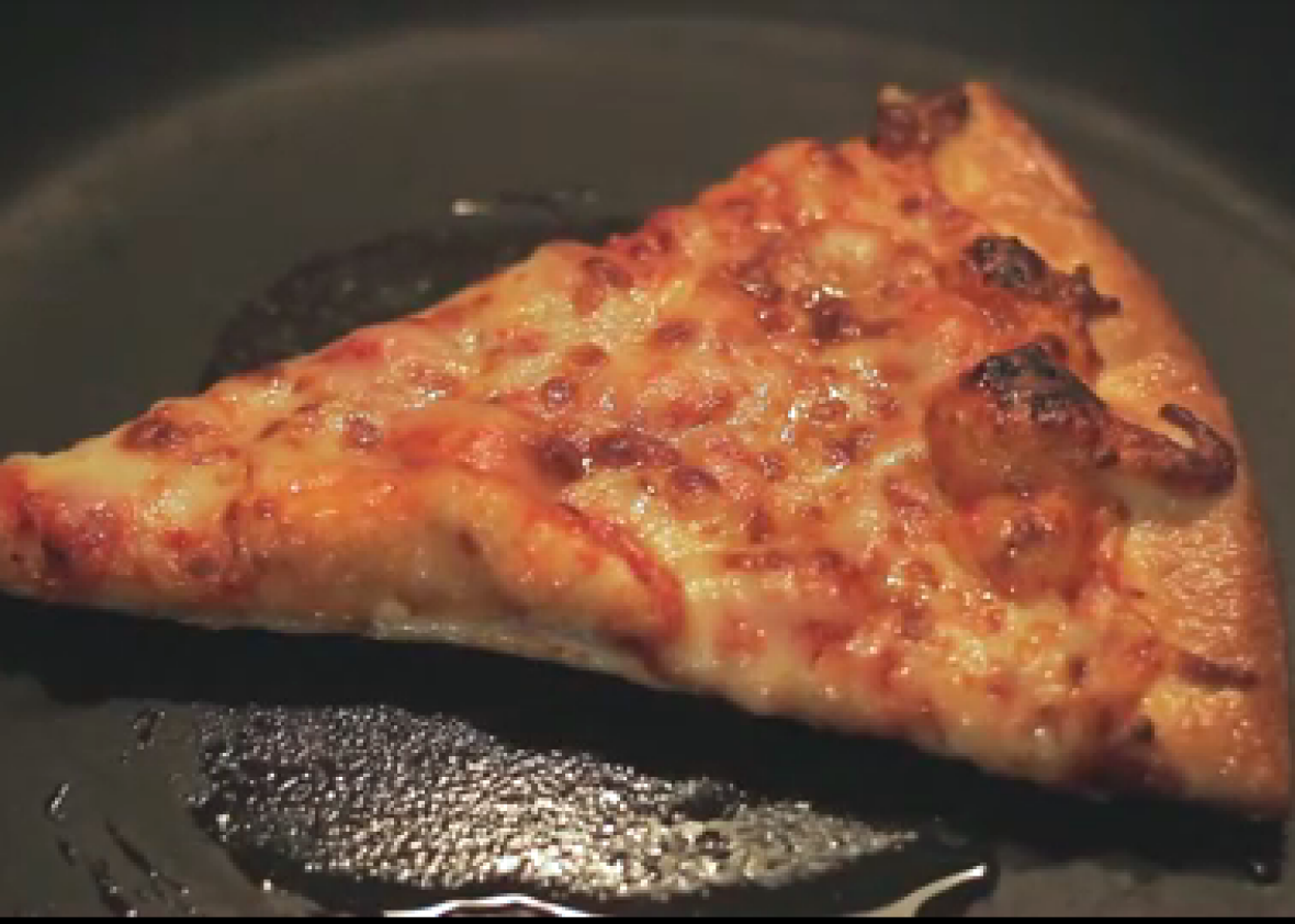 Best Way To Reheat Cold Pizza Use A Pan And Lid Not